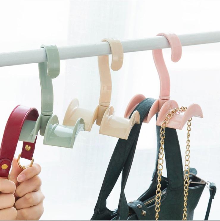 Крючок-вешалка в шкаф для сумок
