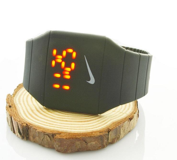 Часы Nike Led Watch.